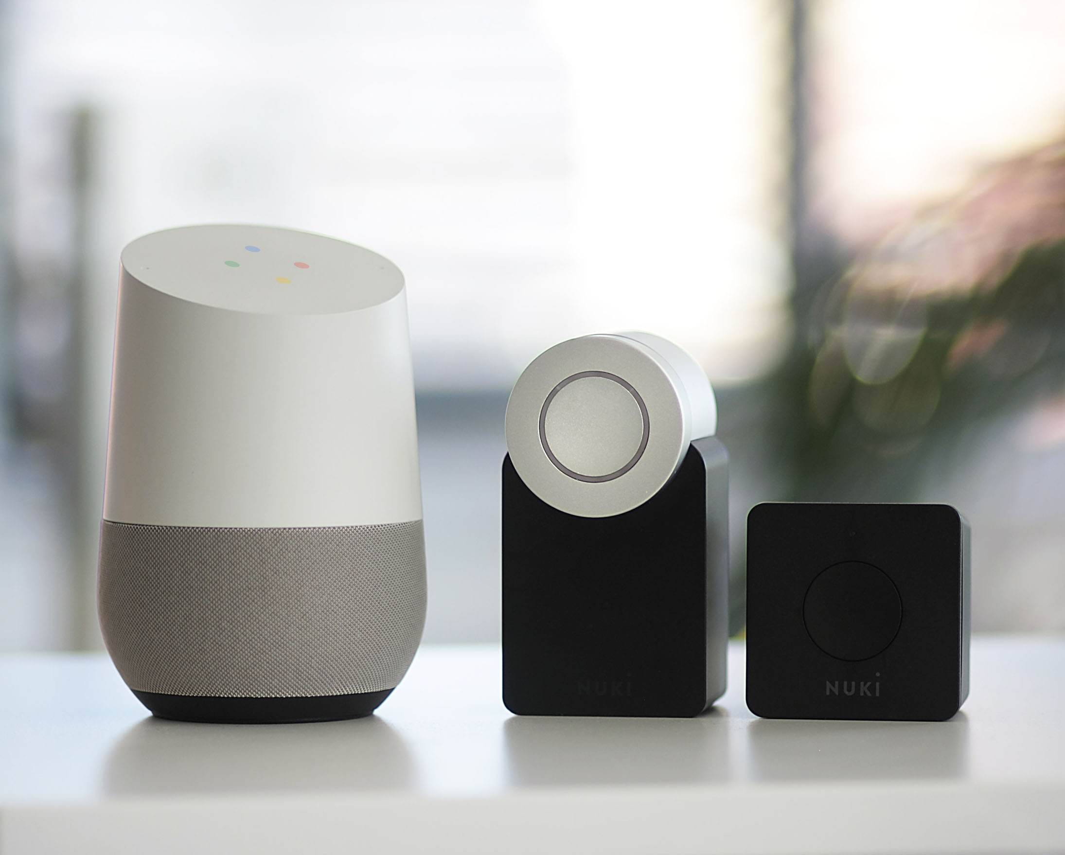 In-Room control, voice assistant, smart key con Manet